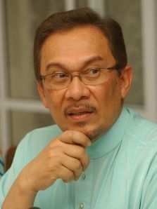 "ANWAR: ""Putrajaya isn't the only option"""